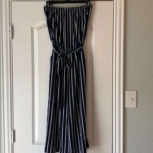 Ambiance navy romper, ankle length w belt. Size M